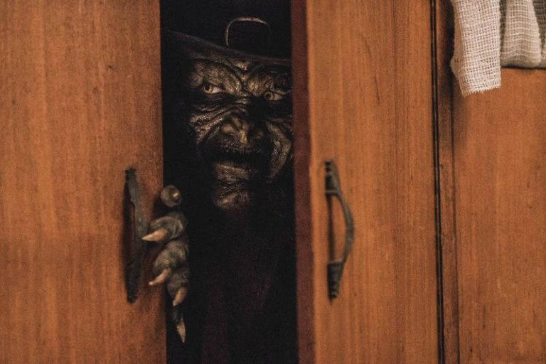 Movie Review: LEPRECHAUN RETURNS (2018)