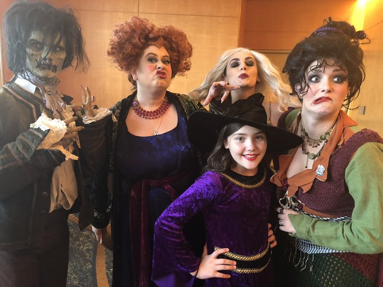 Event Recap: Celebrating 25 Years of Hocus Pocus at Midsummer Scream