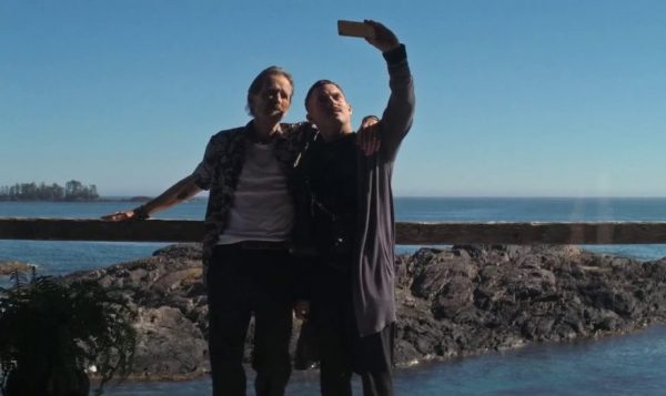[News] Elijah Wood & Stephen McHattie Take a Selfie in COME TO DADDY Clip