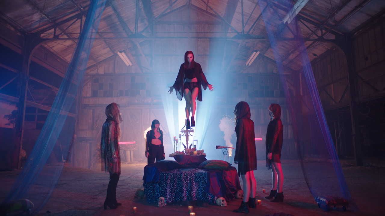 [Movie Review] COVEN