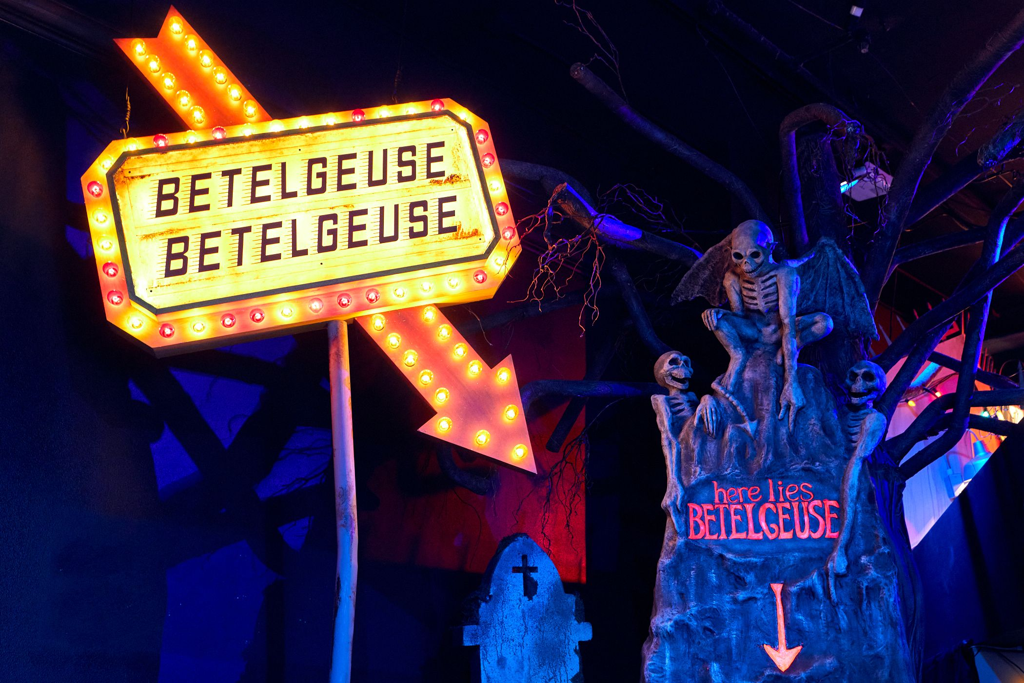 [News] Halloween Horror Nights Tribute Store Announces BEETLEJUICE